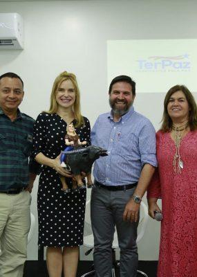 Sebrae recebe a primeira-dama do Pará e a estilista Martha Medeiros.