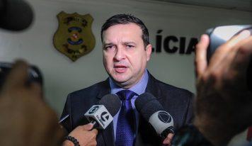 Delegado-Geral da polícia civil esclarece sobre a compra do álcool em gel pra corporação.