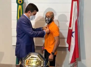 Lutador campeão do peso-mosca do UFC é recebido por Governador e condecorado com alta honraria do Pará.