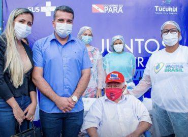 Prefeitura de Tucuruí inicia a vacinação da população contra COVID-19.