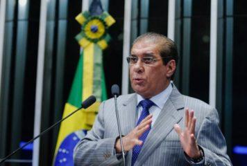 Jader Barbalho questiona e cobra Ministro da Saúde sobre exclusão do Pará dos novos lotes de vacina.