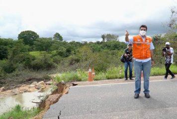 Governador visita trecho rompido da BR-010, em Ipixuna do Pará.