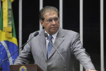 Senador Jader prioriza a saúde na indicação de emendas ao orçamento.