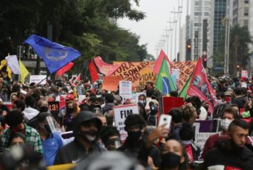 Movimentos sociais convocam manifestações contra Bolsonaro para o dia 29 de maio.
