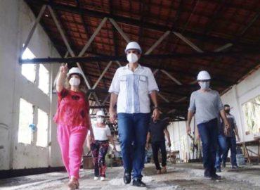 Governador Hélder e Secretária de Cultura Úrsula Vidal visitam obras do Museu do Marajó.