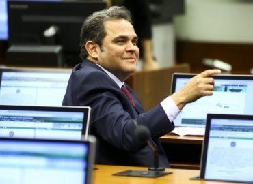 Priante é o relator do novo marco legal do transporte ferroviário.
