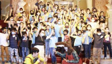Crianças da Rede Municipal de Ensino de Ananindeua comemoram o dia das crianças no Theatro da Paz.