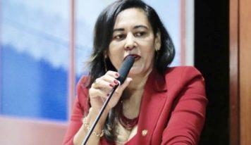 Dilvanda Faro propõe PL para atendimento humanizado às mulheres surdas vítimas de violência no Pará.